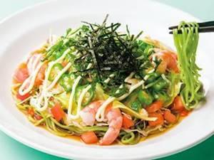 海老と山芋オクラのねばとろサラダ麺(糖質控えめ・ほうれん草麺)