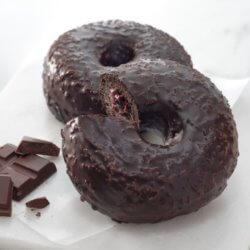 スタバ・チョコレートクリームドーナツ